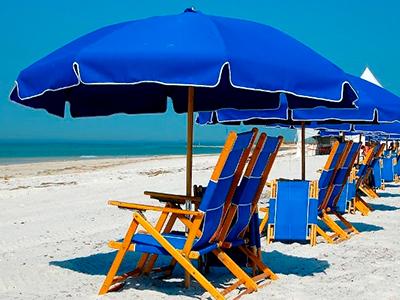 Выбираем зонты для летней площадки на пляже